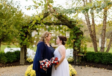 Thorncreek Winery wedding in Cleveland with Kelly & Jodie.